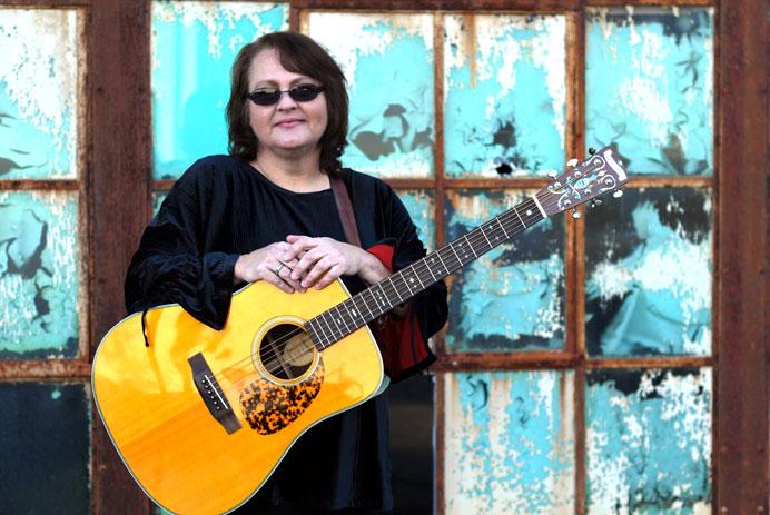Dale Ann Bradley Bluegrass Artist on Pinecastle Records